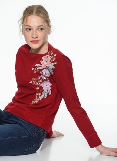 Mavi Nakışlı Sweatshirt Kırmızı